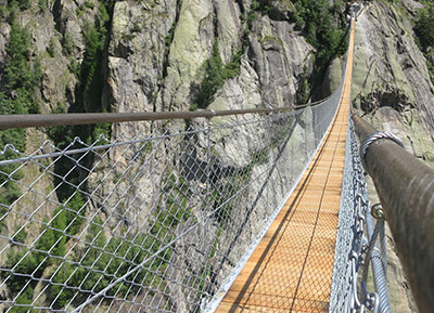 A suspension bridge for everybody